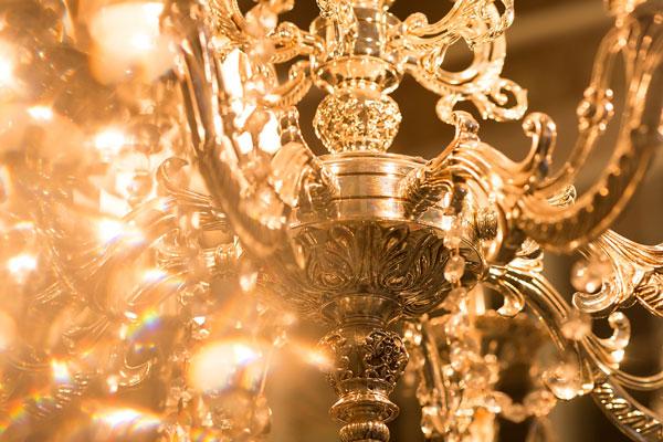Kronleuchter Tischlampen können jedem Raum Schönheit verleihen